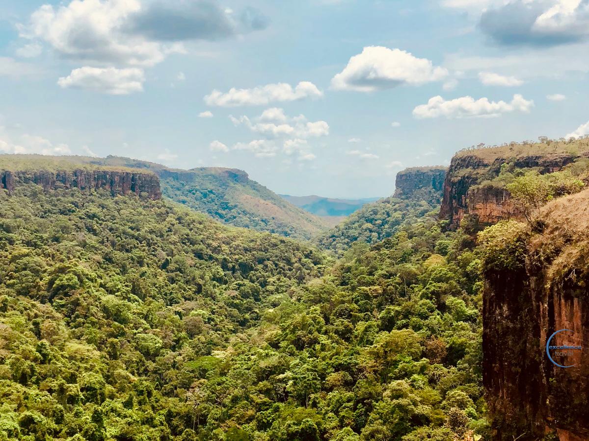 5º DIA - CHAPADA DOS GUIMARÃES - PARQUE NACIONAL: CACHOEIRAS, TRILHAS E PÔR-DO-SOL. (C, A, J)